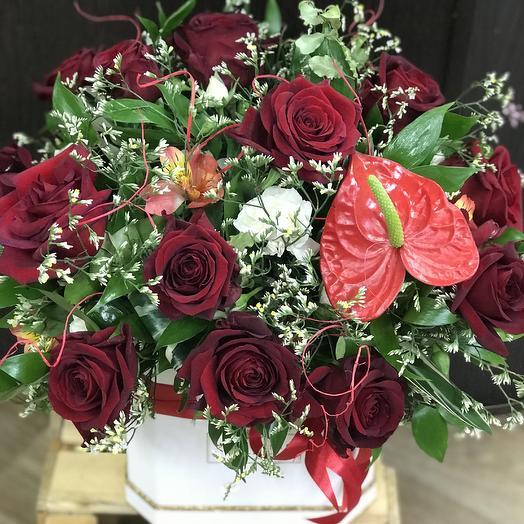 Торжественный комплимент: букеты цветов на заказ Flowwow