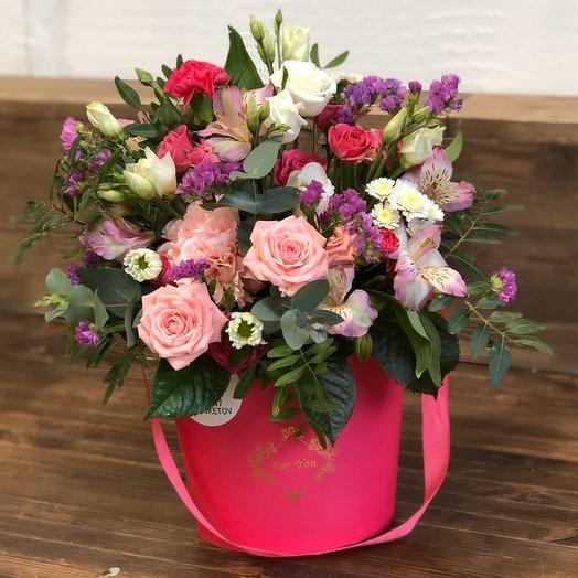 Нежная Шляпная коробка: букеты цветов на заказ Flowwow