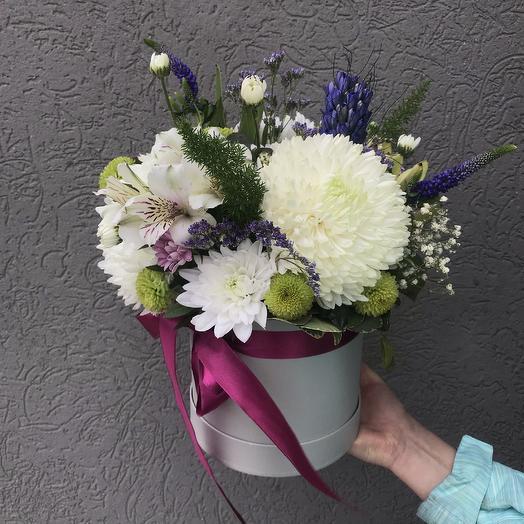 Коробка с хризантемой