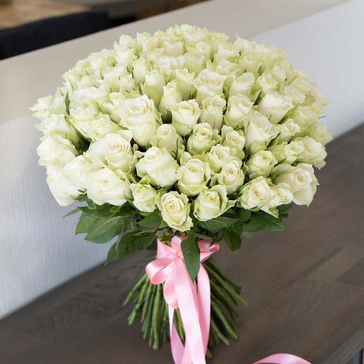 101 белая роза Атена