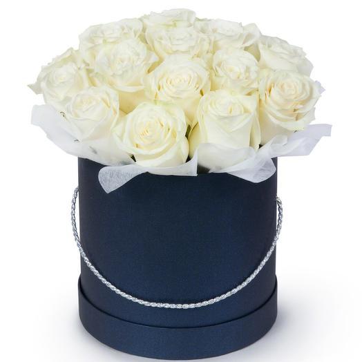 Белая Роза в шляпке