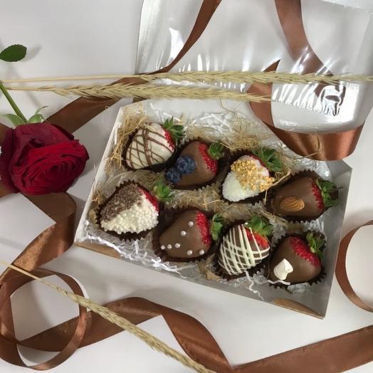 Клубничка в шоколаде
