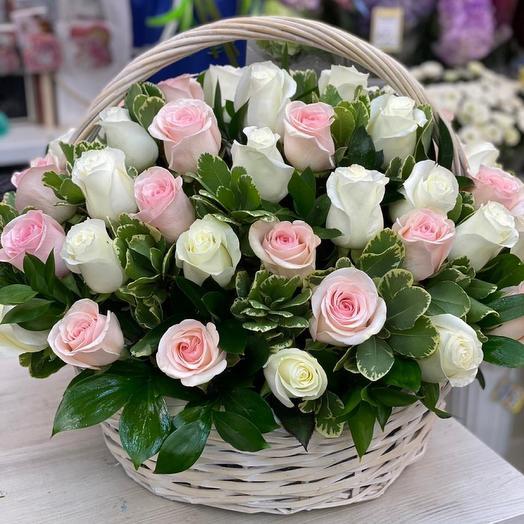 Корзина с цветами 53 Розы