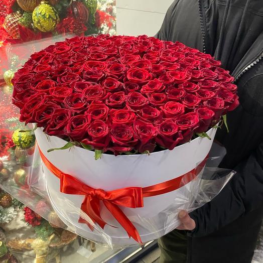Цветы 101 роза в коробке