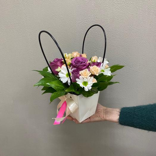 Цветы в сумочке «Комплимент»