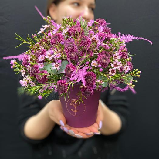 """Очаровательная композиция с цветами в шляпной коробке """" Пурпур"""""""