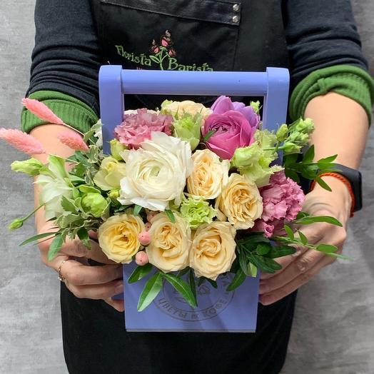 Нежная композициия с ранункулусом и розой