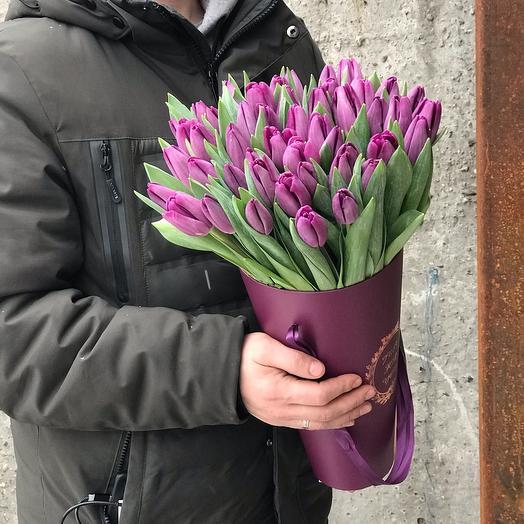 Фиолетовые Тюльпаны в конусе