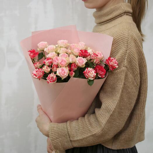 Букет из 5 высоких кустовых роз нежный микс 60-70 см (Кения)