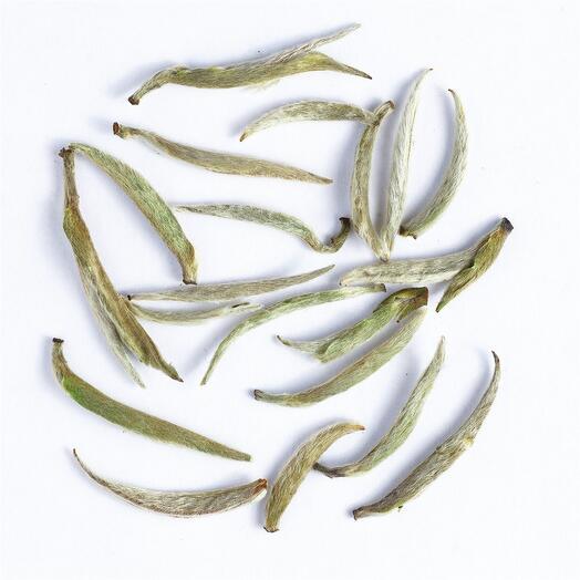 """Белый чай """"Бай Хао Инь Чжень 2019 г."""" (серебряные пики с белым ворсом) 50 гр"""
