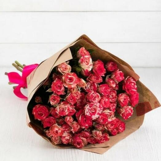 Букет из 9 кустовых роз Фаер воркс