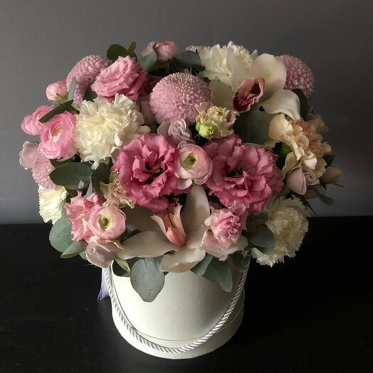 Шляпная коробка в розовой гамме