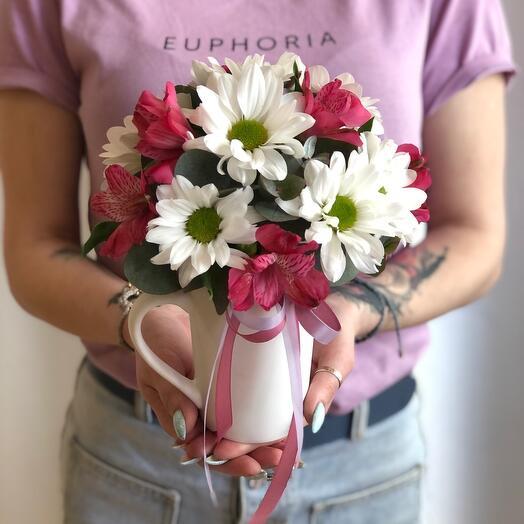 Цветы в кружке «Кусочек лета»