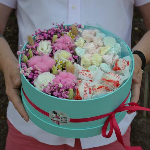 Цилиндр со сладостями
