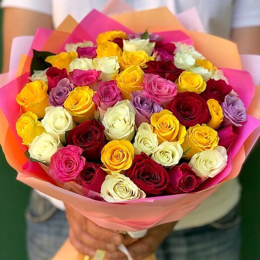 A mix of 51 roses