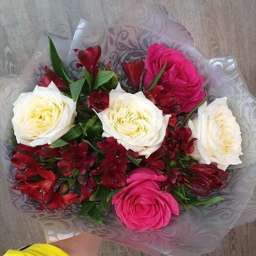 Розы альстромерия