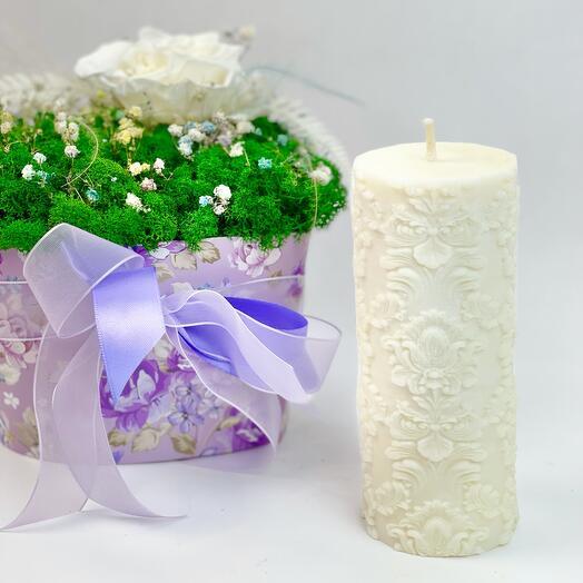 Белая ажурная свеча
