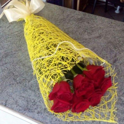 Букет 7 красных роз: букеты цветов на заказ Flowwow