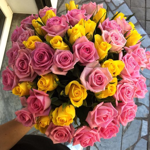 Букет из 51 розы Айвенго: букеты цветов на заказ Flowwow