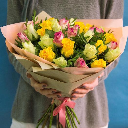 Радостный микс 31 роза.: букеты цветов на заказ Flowwow
