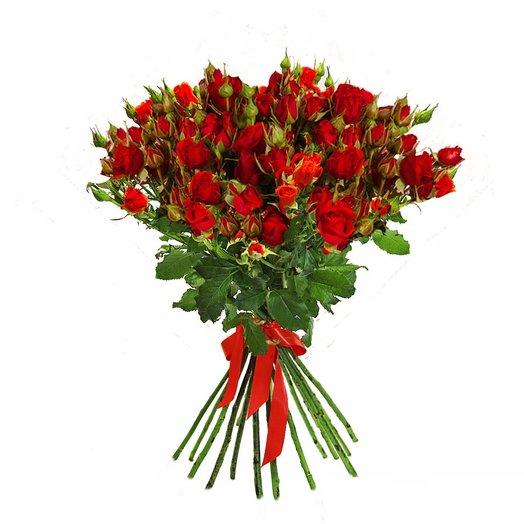15 красных кустовых роз: букеты цветов на заказ Flowwow