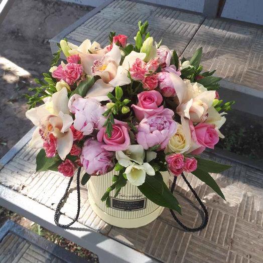"Коробочка ""Радость встречи"": букеты цветов на заказ Flowwow"