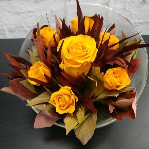 Композиция из стабилизированных роз: букеты цветов на заказ Flowwow