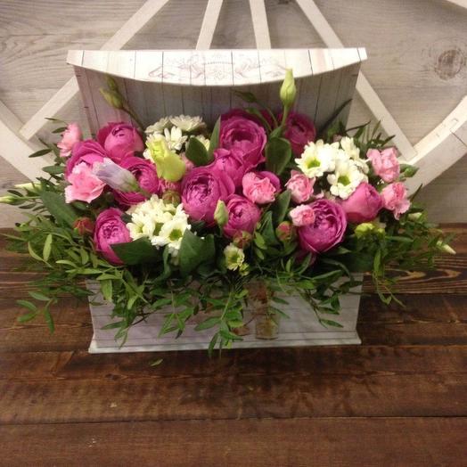 Коробка с пионовидными розами: букеты цветов на заказ Flowwow