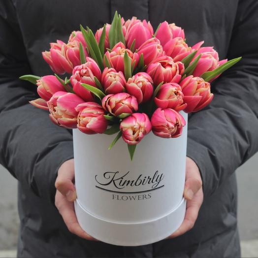 25 пионовидных тюльпанов в коробке