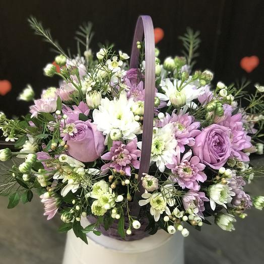 Нежный микс в корзине: букеты цветов на заказ Flowwow