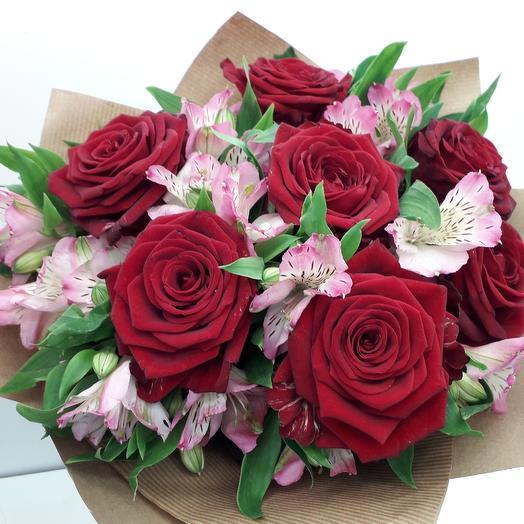 Букет в подарок: букеты цветов на заказ Flowwow