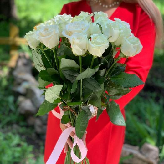 Букет из 17 белых роз 60 см: букеты цветов на заказ Flowwow