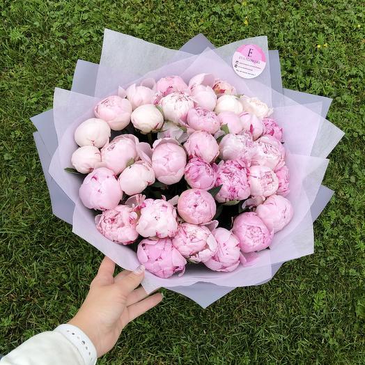 Свежие ароматные пионы: букеты цветов на заказ Flowwow