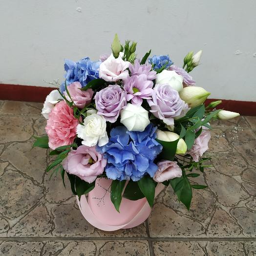 """Шляпная коробочка """"Зефирная нежность"""": букеты цветов на заказ Flowwow"""