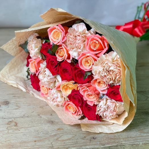 Огни Москвы: букеты цветов на заказ Flowwow