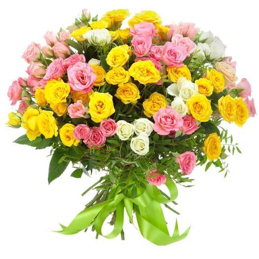 Букет-трио из кустовых роз Иллюзия