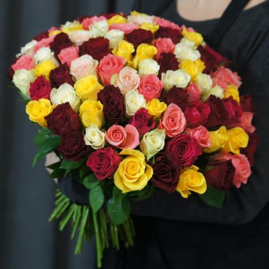 101 роза микс под атласную ленту