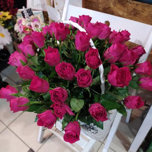 Корзина с Алой розой