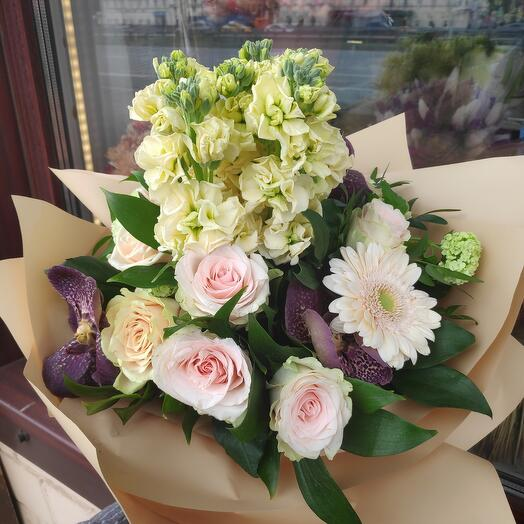 Букет цветов Нежный персик