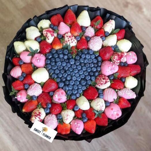 VIP-букет из свежих ягод