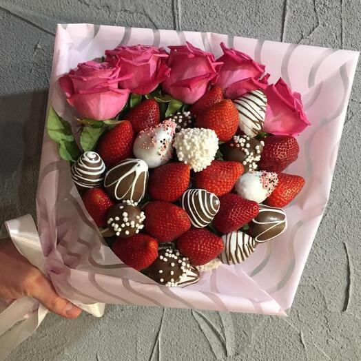 Клубничный букет «Рози»