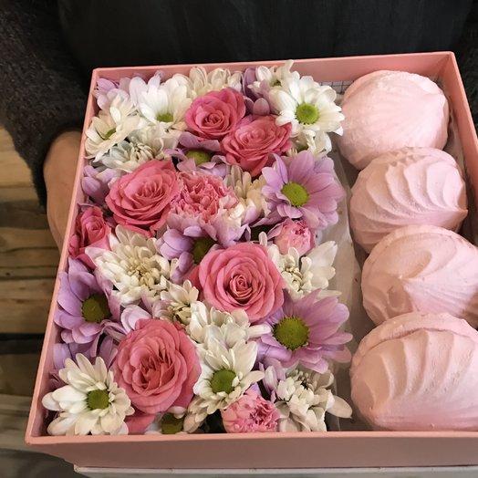 Розы и зефир: букеты цветов на заказ Flowwow