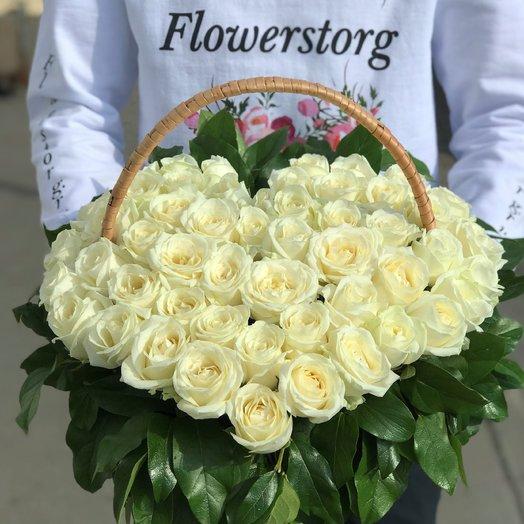Корзины с цветами. Розы. Сердце из роз. N40: букеты цветов на заказ Flowwow