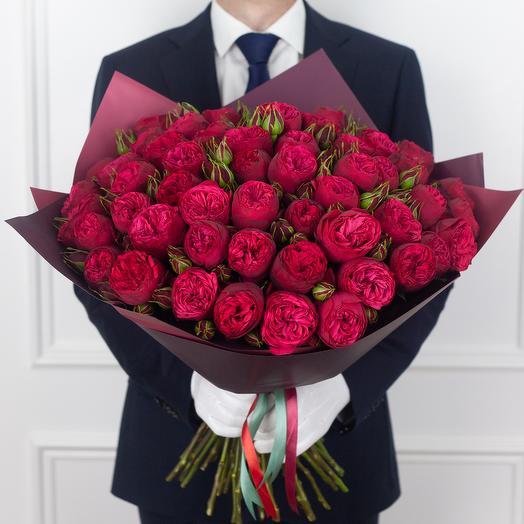 Букет из 55 кустовых роз Red Piano: букеты цветов на заказ Flowwow