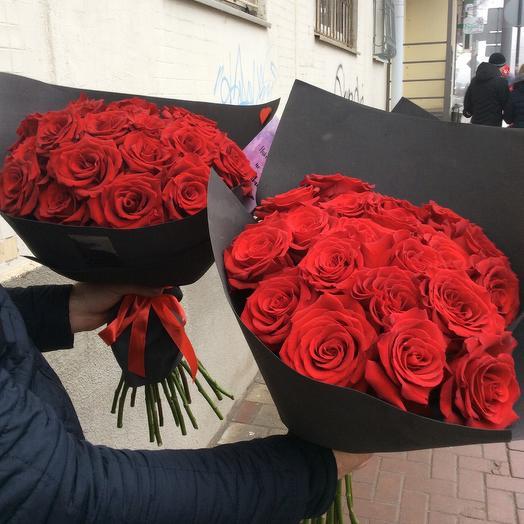 Классический букет из 21 красной розы