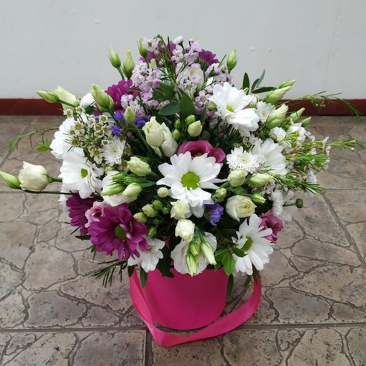 "Шляпная коробочка ""Нежность"": букеты цветов на заказ Flowwow"