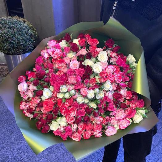 Кустовые розы микс 51 шт: букеты цветов на заказ Flowwow