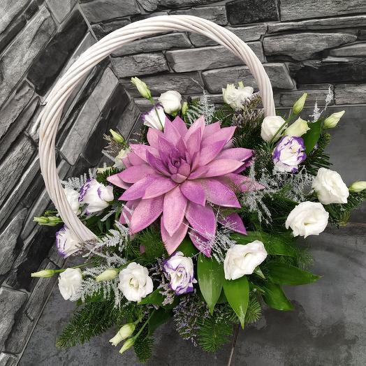 """Корзина с эхеверией """"Queen"""": букеты цветов на заказ Flowwow"""