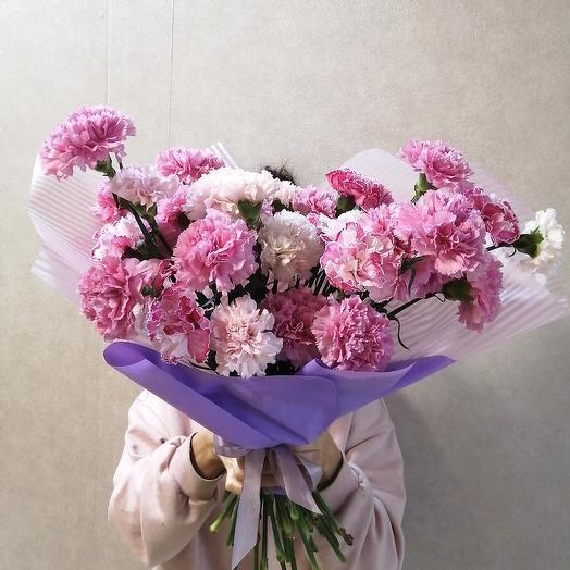 Необыкновенная гвоздика в большом букете: букеты цветов на заказ Flowwow