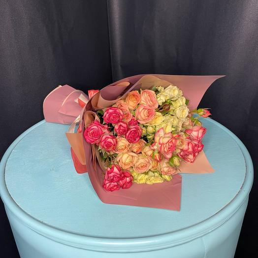 Моно букет из 11 кустовых роз микс
